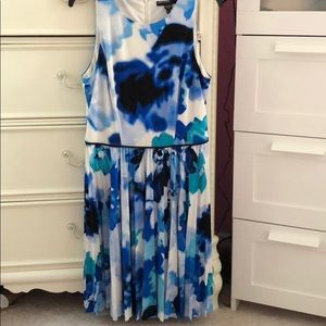 Maggy London blue and white dress